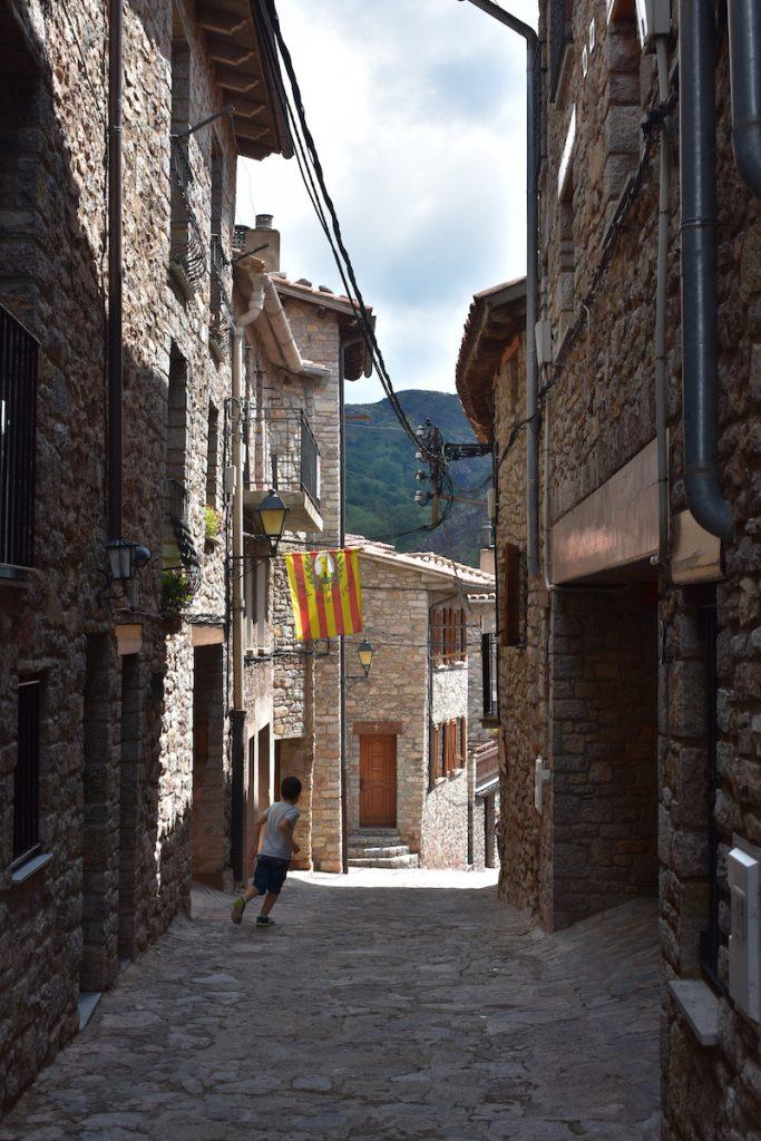 carrer de castellar de n'hug